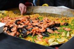 Paella am Markt Lizenzfreie Stockfotografie