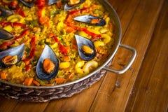 Paella mit Miesmuscheln Lizenzfreies Stockbild