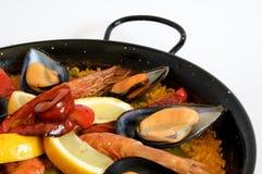 Paella - traditioneller spanischer Reis Stockfotografie