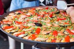 Paella traditionnelle de riz espagnol avec des fruits de mer Photo stock