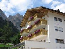 Paesaggi delle montagne delle dolomia, Colfosco, Alta Badia, Italia Immagine Stock