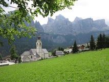 Paesaggi delle montagne delle dolomia, Colfosco, Alta Badia, Italia Immagini Stock Libere da Diritti