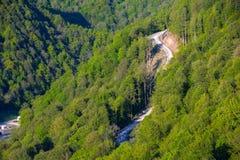 Paesaggi delle montagne di Caucaso, Rosa Peak, Soci, Russia fotografia stock libera da diritti