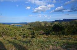 Paesaggi di Costa Brava: mare, montagne, cielo del bleu Immagine Stock Libera da Diritti