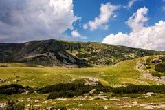 Paesaggi di estate nelle alte montagne della Romania Fotografia Stock