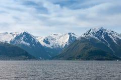 Paesaggi scenici dei fiordi norvegesi Fotografie Stock Libere da Diritti