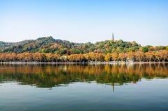 Paesaggio ad ovest del lago Hangzhou immagine stock