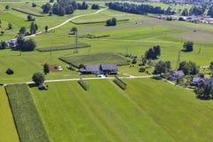 Paesaggio aereo della campagna slovena immagini stock libere da diritti