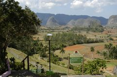 Paesaggio alla valle di Viñales immagine stock libera da diritti
