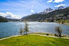 Paesaggio alpino con il lago st Moritz, Svizzera Immagine Stock