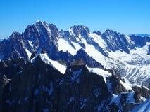 Paesaggio alpino della gamma di montagne in ALPI francesi vedute da Aiguille du Midi a CHAMONIX MONT BLANC in FRANCIA Immagine Stock Libera da Diritti