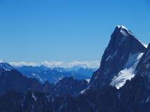 Paesaggio alpino della gamma di montagne in ALPI francesi vedute da Aiguille du Midi a CHAMONIX MONT BLANC in FRANCIA Fotografia Stock Libera da Diritti