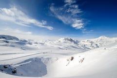 Paesaggio alpino della montagna di inverno Alpi francesi con neve Fotografia Stock Libera da Diritti