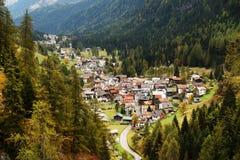 Paesaggio alpino di autunno nelle dolomia Immagini Stock