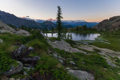 Paesaggio alpino di elevata altitudine al crepuscolo Immagine Stock Libera da Diritti