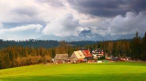 Paesaggio alpino rurale panoramico Immagini Stock Libere da Diritti