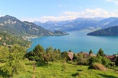 Paesaggio alpino svizzero (Vierwaldstättersee) Immagini Stock Libere da Diritti