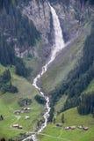 Paesaggio alpino vicino al passaggio di Chiusa nelle alpi svizzere Immagini Stock Libere da Diritti