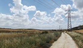 Paesaggio andaluso rurale su Cloudscape drammatico Fotografie Stock Libere da Diritti