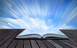 Paesaggio astratto unico di alba della pila di lasso di tempo di concetto del libro Fotografie Stock Libere da Diritti