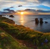 Paesaggio atlantico della linea costiera di tramonto Fotografie Stock