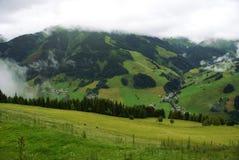 Paesaggio austriaco di estate in montagne delle alpi Immagine Stock Libera da Diritti