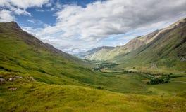 Paesaggio autentico Kyle Glenshiel Hiking Trail degli altopiani della natura immagine stock libera da diritti