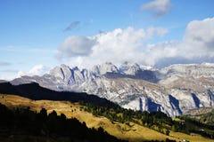 Paesaggio autunnale delle alpi italiane Fotografie Stock