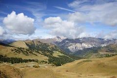 Paesaggio autunnale delle alpi italiane, dolomia Immagine Stock