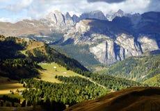 Paesaggio autunnale delle alpi italiane, dolomia Fotografia Stock