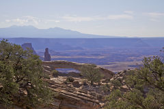 Paesaggio Canyonlands N.P. dell'arco di MESA. Fotografia Stock Libera da Diritti