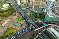 Paesaggio che sviluppa distretto aziendale moderno di Bangkok A forma di x Fotografie Stock
