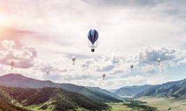 Paesaggio colourful della montagna di estate Immagine Stock
