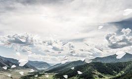 Paesaggio colourful delle montagne di estate Immagine Stock