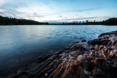 Paesaggio con il lago Fotografia Stock Libera da Diritti