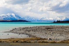 Paesaggio con il lago e le montagne Immagine Stock