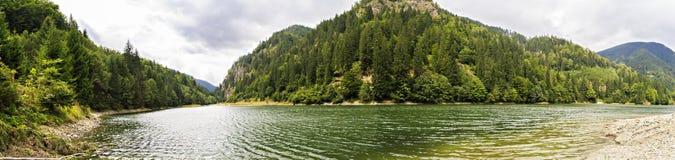 Paesaggio con il lago Petrimanu Immagini Stock