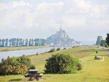 Paesaggio con l'abbazia di san-Michel del mont, Normandia Fotografia Stock