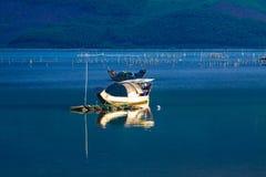 Paesaggio con la barca Fotografia Stock