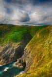 paesaggio con la riva dell'oceano in Asturie, Spagna Immagini Stock Libere da Diritti