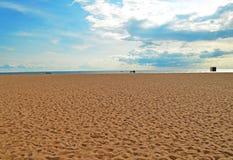 Paesaggio con la sabbia ed il cielo Fotografia Stock