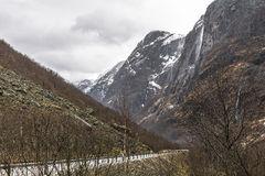 Paesaggio con la strada della montagna Immagini Stock Libere da Diritti