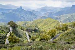 Paesaggio con la strada della montagna in Gran Canaria Immagini Stock