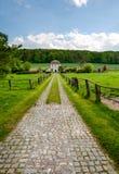 Paesaggio con la vecchia casa rurale Fotografia Stock Libera da Diritti