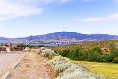 Paesaggio con le montagne ed il lago Immagini Stock Libere da Diritti
