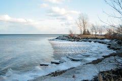 Paesaggio con le onde congelate Fotografia Stock