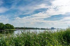 Paesaggio costiero della città Kalmar, Svezia Fotografia Stock Libera da Diritti