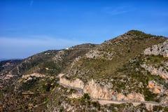 Paesaggio costiero delle montagne di Alpes-Maritimes in Francia Fotografia Stock