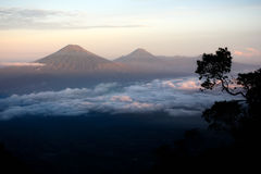Paesaggio dalla montagna dell'Indonesia Fotografie Stock Libere da Diritti