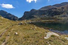 Paesaggio dei laghi Elenski vicino al picco di Malyovitsa, montagna di Rila Fotografia Stock